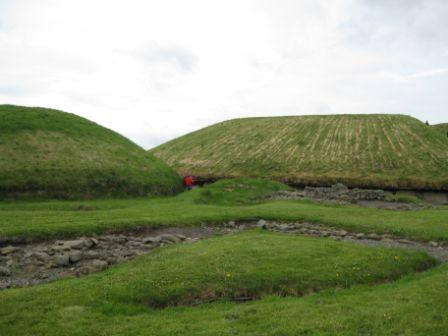 5000-jährige megalithische Grabhügel