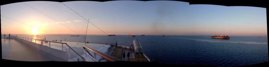 Suez-Kanal - Warten auf die Einfahrt