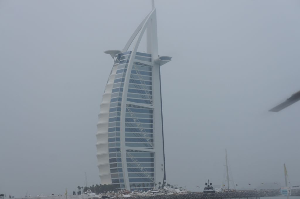 Dubai - Burj Al Arab - selbsternanntes einziges Siebensternehotel der Welt